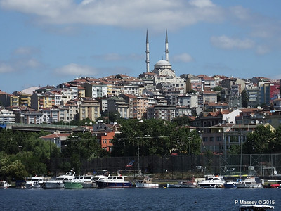 Another Mosque Golden Horn Istanbul 20-07-2015 08-22-24