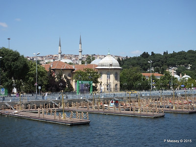 Mosque Hosgeldiniz Eyup Golden Horn Istanbul 20-07-2015 08-29-007