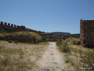To the Crypts Castle of Mytilene 21-07-2015 11-47-15