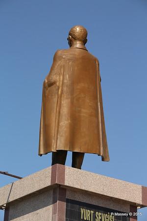 Ataturk Statue Kusadasi 22-07-2015 14-07-10