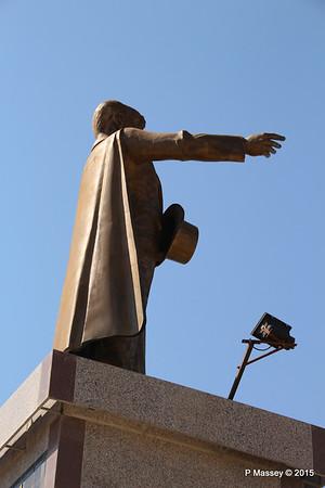 Ataturk Statue Kusadasi 22-07-2015 14-10-58