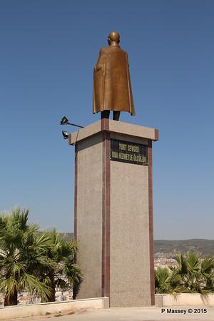 Ataturk Statue Kusadasi 22-07-2015 14-06-56