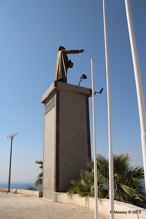 Ataturk Statue Kusadasi 22-07-2015 14-11-01