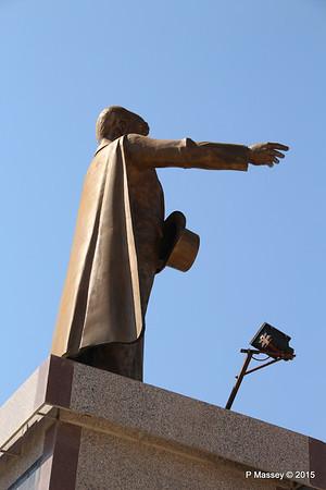 Ataturk Statue Kusadasi 22-07-2015 14-10-57