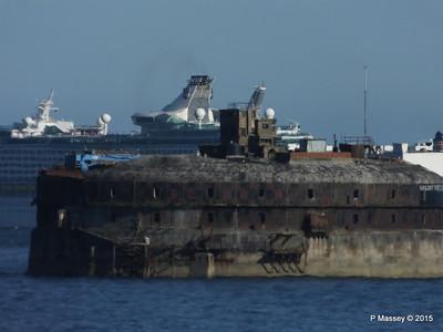 VIRGO LEADER EXPLORER OF THE SEAS Outbound Horse Sand Fort Solent PDM 29-06-2015 17-28-033