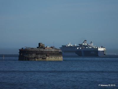 VIRGO LEADER EXPLORER OF THE SEAS Outbound Horse Sand Fort Solent PDM 29-06-2015 17-28-17
