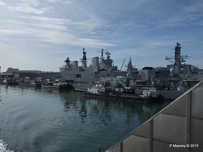 R06 HMS ILLUSTRIOUS F234 HMS IRON DUKE Portsmouth PDM 29-06-2015 07-56-59