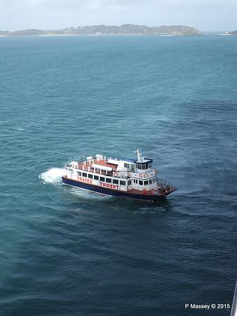 HERM TIRDENT VI Approaching ORIANA St Peter Port PDM 02-04-2015 15-24-59