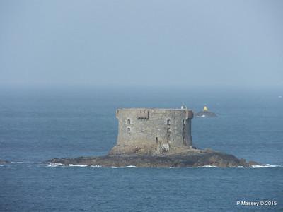 Bréhon Tower Between Herm & St Peter Port PDM 02-04-2015 15-24-038