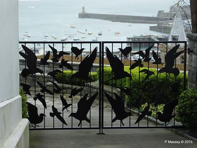 The Birds Gates St Peter Port Guernsey PDM 02-04-2015 10-32-09