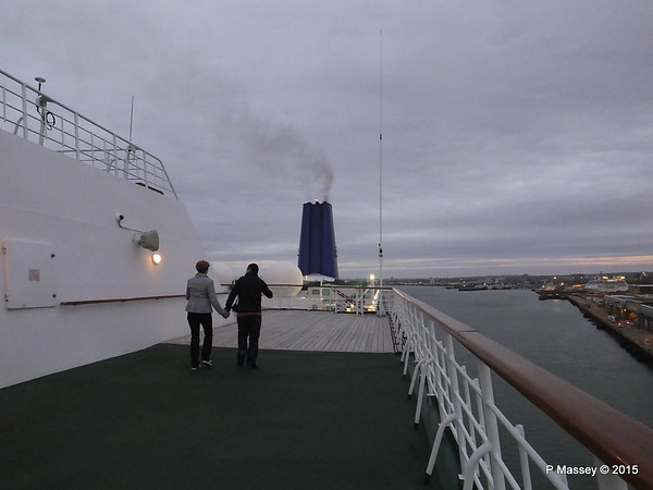 Arriving Southampton on board ORIANA PDM 04-04-2015 05-38-38