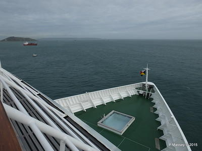 ORIANA Bow from Lido deck 12 PDM 02-04-2015 16-42-48
