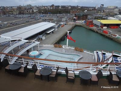 Terrace Pool ORIANA Southampton PDM 01-04-2015 12-57-48