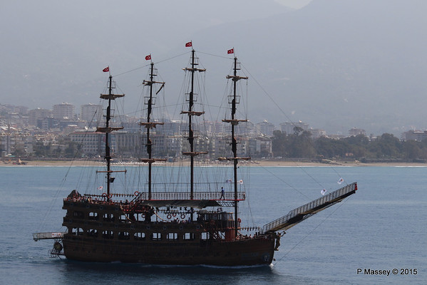 Pirate Ship SULTAN BLACK PEARL 1 Alanya PDM 30-04-2015 08-34-50