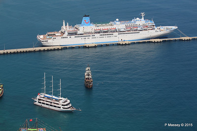 THOMSON SPIRIT Pirate Ship & STARCRAFT Alanya PDM 30-04-2015 12-28-51