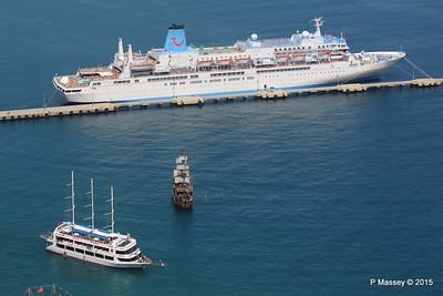 THOMSON SPIRIT Pirate Ship & STARCRAFT Alanya PDM 30-04-2015 12-28-55
