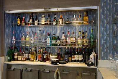 Trident Bar