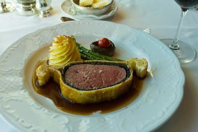 Beef Wellington (fake - missing Foie Gras)
