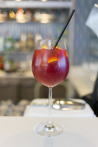The tattletale Sangria.  It was watching this being made that let me know Sangria on this ship wasn't the the variety where the wine and fruit have time to get to know each other.  More like a one night stand version than a long term relationship.