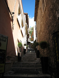 Taormina, Sicily - LOTS of steps arround here