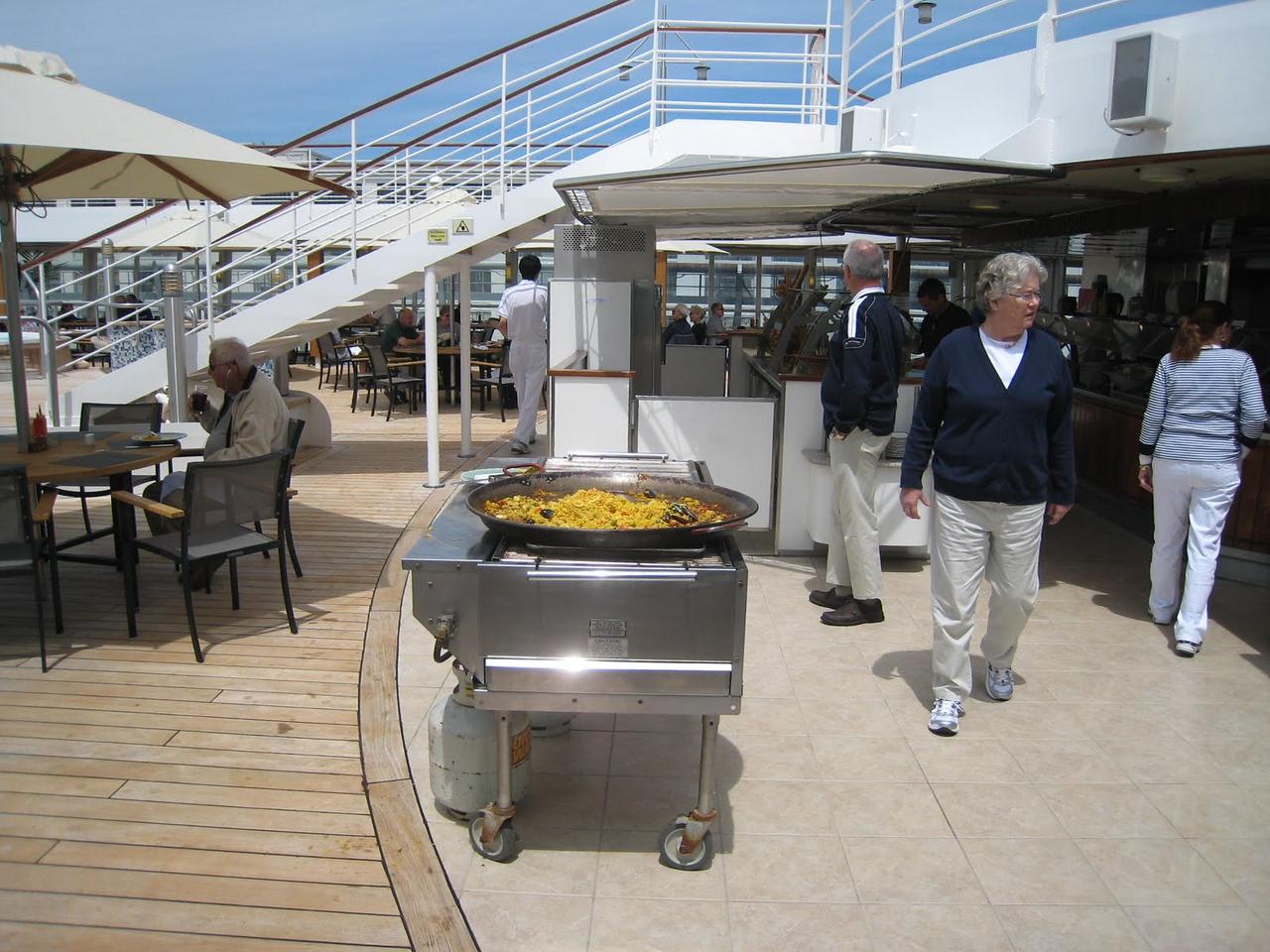 Paella on deck!