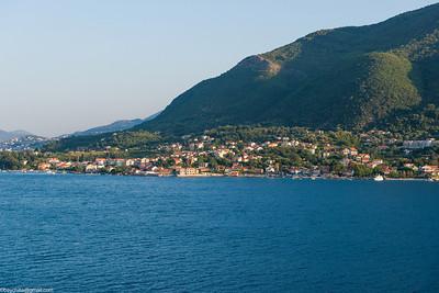 Sailing into Kotor