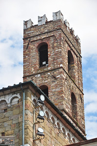 Tower with multiple batman signals (Lucca).