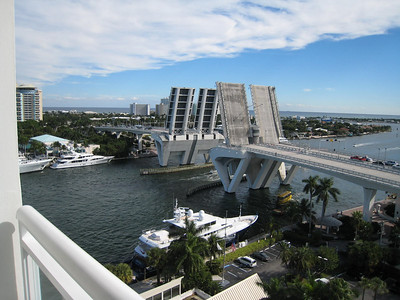 Drawbridge on the Intercoastal - this thing went up and down at least once every 10 minutes