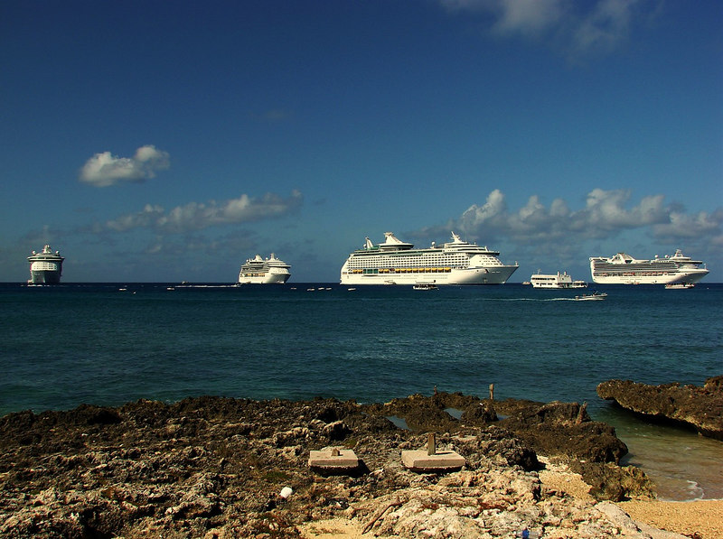4 of the 8 cruise ships anchored in Grand Cayman that day. From left to right: <i>Freedom of the Seas</i>, <i>Radiance of the Seas</i>, <i>Voyager of the Seas</i>, <i>Golden Princess</i>