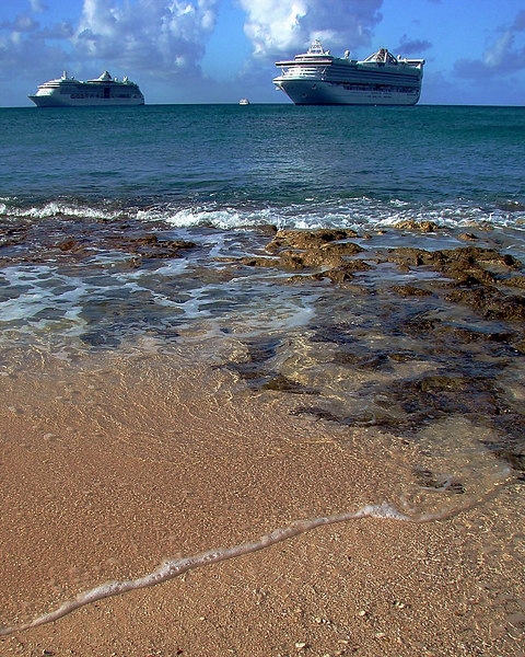<i>Voyager of the Seas</i> and <i>Golden Princess</i> anchored in Georgetown, Grand Cayman.