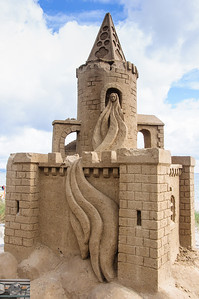 Rapunzel in a sand castle - nice scaling