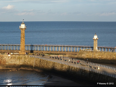 Whitby Harbour Entrance & Lighthouses PDM 17-11-2012 15-41-57