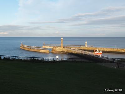 Whitby Harbour Entrance & Lighthouses LK-985 COPIOUS PDM 17-11-2012 15-41-52