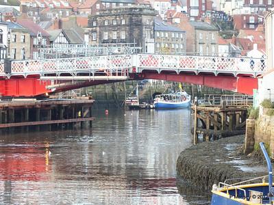 Whitby Harbour KERRERA Swing Bridge PDM 17-11-2012 15-27-59