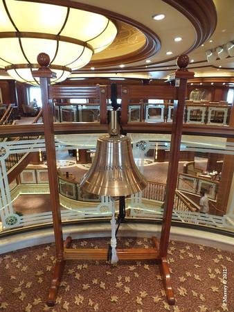 QUEEN VICTORIA BELL 18-10-2012 11-44-55