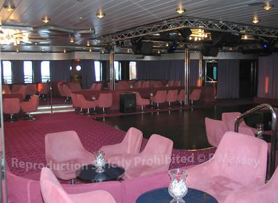 MSC Melody Junkanoo Club Bar 01-08-2003 04-55-15