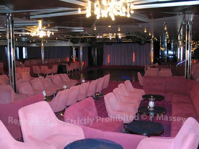 MSC Melody Junkanoo Club Bar 01-08-2003 04-54-53
