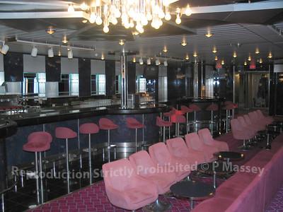 MSC Melody Junkanoo Club Bar 01-08-2003 04-56-02