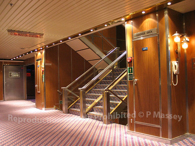MSC Melody Lounge Deck stairwell 30-07-2003 06-09-06