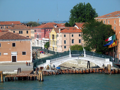 Departing Venice aboard Melody PDM 27-07-2003 15-39-50