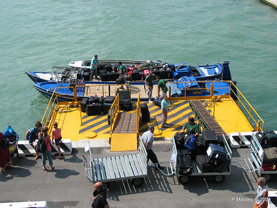 Venice Cruise terminal Water Taxis PDM 08-08-2004 11-04-58