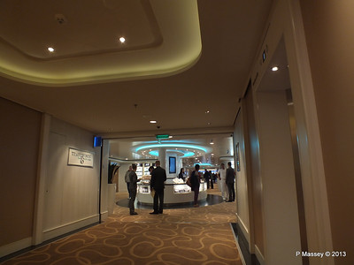 NORWEGIAN BREAKAWAY Tradewinds Duty Free Shops PDM 02-05-2013 16-28-44