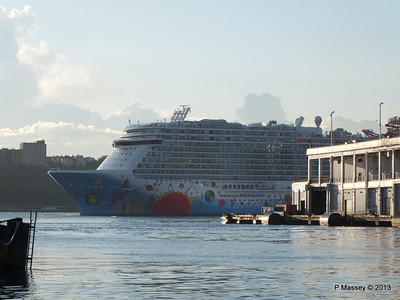 NORWEGIAN BREAKAWAY Departs Manhattan PDM 08-05-2013 19-20-49