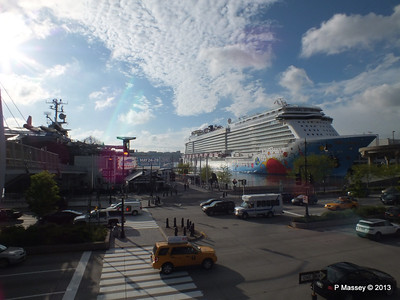 NORWEGIAN BREAKAWAY Pier 88 New York PDM 08-05-2013 18-13-34