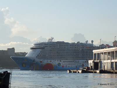 NORWEGIAN BREAKAWAY Departs Manhattan PDM 08-05-2013 19-20-33
