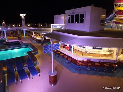 Waves Pool Bar at night NORWEGIAN BREAKAWAY PDM 30-04-2013 21-53-00