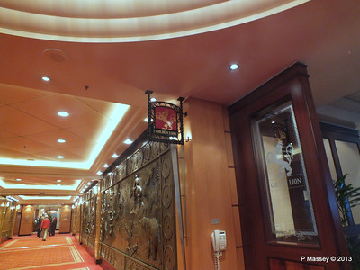 Golden Lion Entrance QM2 PDM 11-11-2013 16-11-19