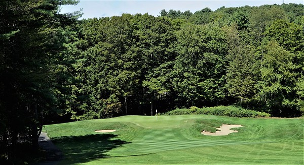 Hole #3 - a long par 3 viewed from the tee atop Huckle Hill