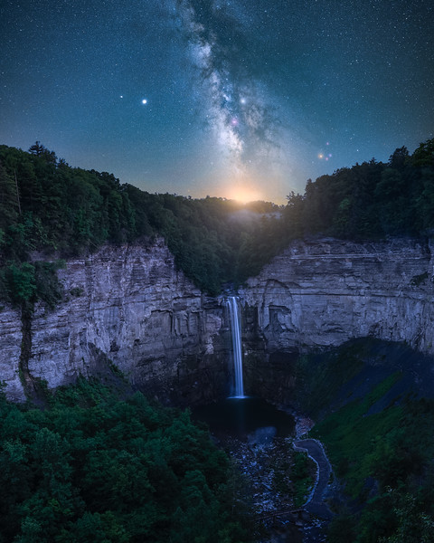 Milky way over Taughannock falls