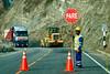Obras de carretera a lo largo del la A26.<br /> Ahora que la A26 es parte de la nuevaTransoceánica la calzada es muy bien cuidadamientras que diez años atrás era un camino difícilmente transitable,lleno de agujeros y ni siquiera estaba pavimentada.<br /> El Perú es uno de los países de más rápido crecimiento en la región y la red de carreteras ha sido uno de los asuntosprioritarios. Una diferencia enorme entre mi primera visita a Perú hace más de 20 años atrás. <br /> <br /> Ruta 26A - entre Abancay y Cusco - Apurímac<br /> Lunes, 13 de agosto '12